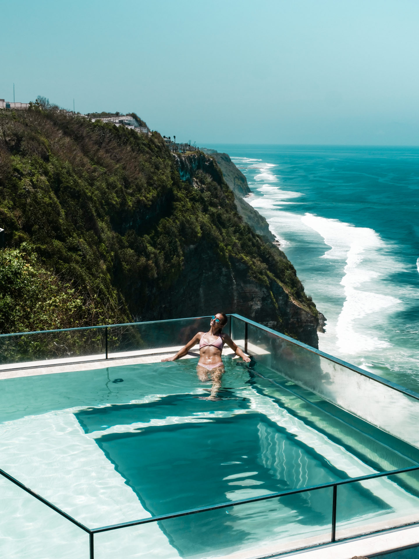 Oneeighty pool at The Edge