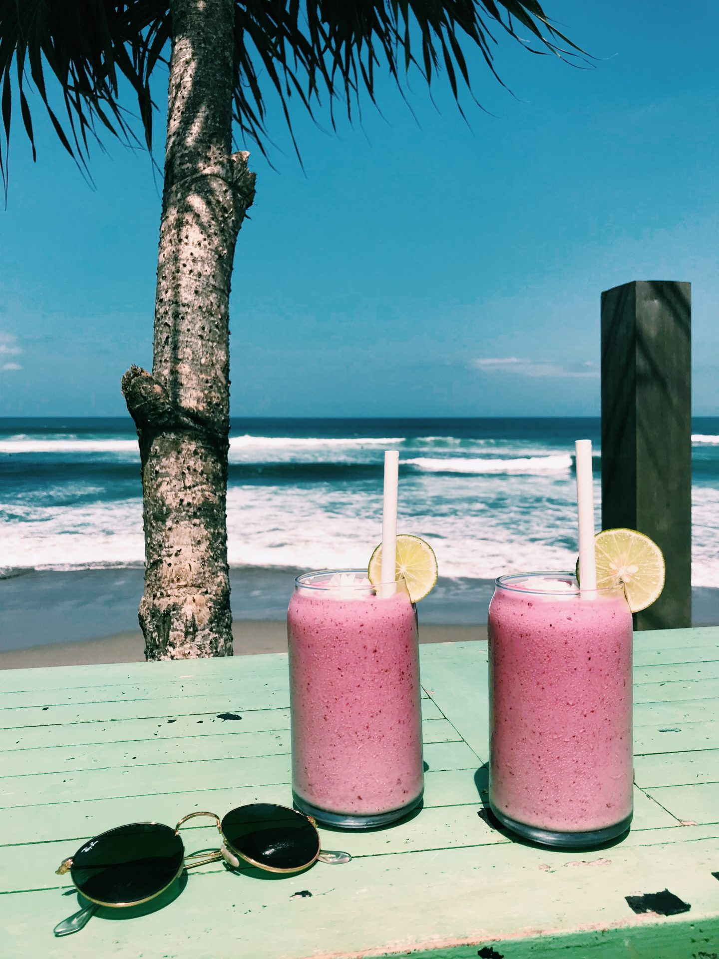 Seaweed beach bar Bali